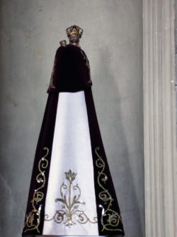 Ferrières - Notre Dame de Bethéem - statue