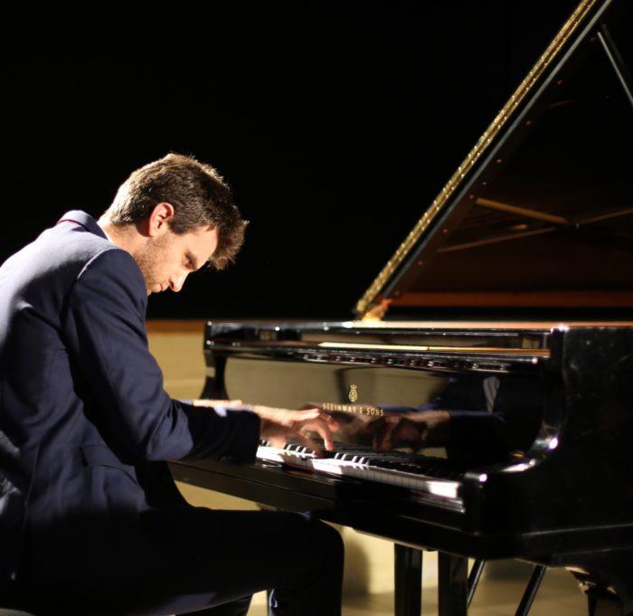 G. Fabre piano 2 CONCERT PLEIN AIR PLEINS JEUX 28 AOUT