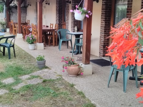 Terrasse arrière auberge – format petit